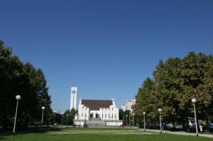 crkva_ispred