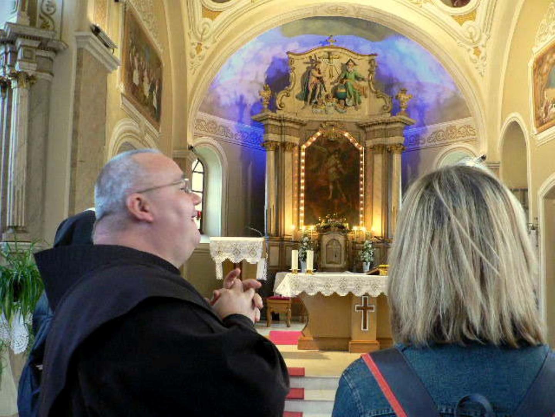 Ovo je crkva  u  kojoj je kršten naš župnik